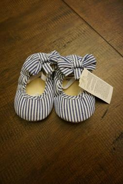 Gap Baby Girl Eyelet Bow Ballet Flats Sandals / Shoes  Size