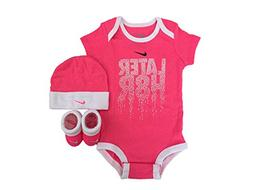 NIKE Infant Babys 3-Piece Bodysuit, Hat & Booties Set /White