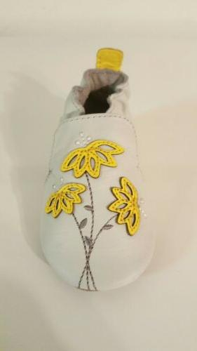 Robeez Infant/Baby Shoe Yellow Floral NIB 6-12 Months